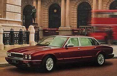Daimler Double Six X305