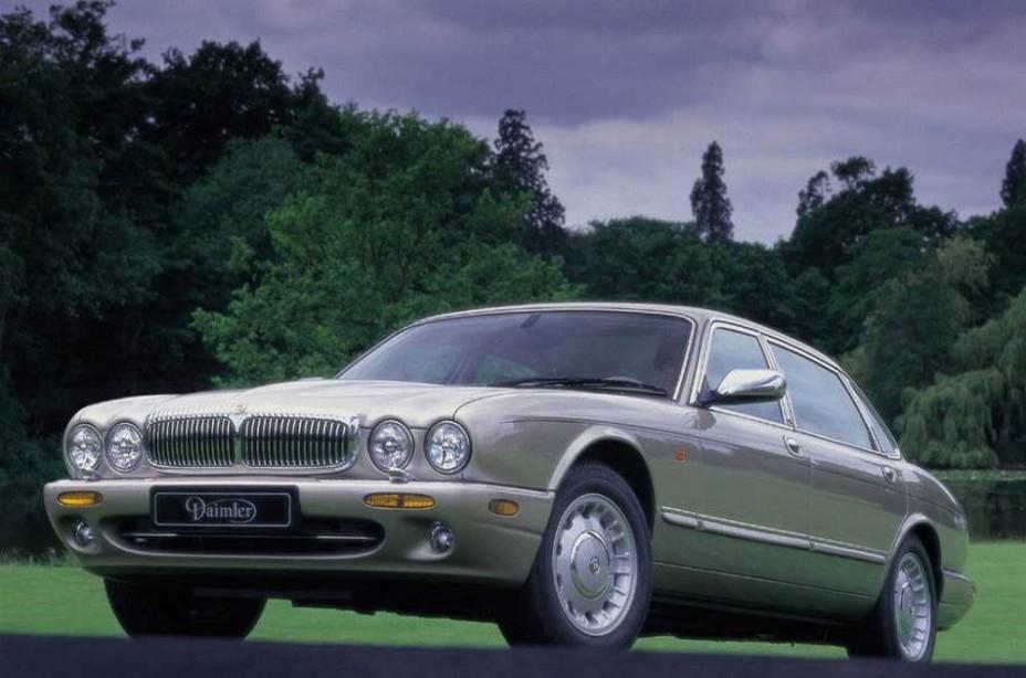 Daimler Eight X308